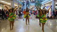 Des percussionnistes et des danseurs sont attendus aux Quatre Temps, à La Défense.