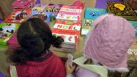 Des ateliers de lecture et de coloriage sont notamment proposés.