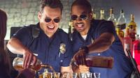 "Jake Johnson et Damon Wayans Jr. dans le film de Luke Greenfield ""Cops. Les forces du désordre""."