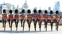 Le Crazy Horse fait escale à Londres jusqu'en décembre