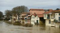 Des maisons inondées à Peyrehorade, le 14 décembre 2019 dans les Landes [GAIZKA IROZ / AFP]