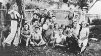 Une photo datant d'avril 1944 d'enfants juifs d'Izieu avant leur déportation dans des camps nazis  [ / HO/AFP/Archives]