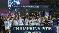L'équipe Montpellier Hérault Rugby vcictorieuse du Challenge européen devant les Harlequins, le 13 mars 2016 au Parc OL [PHILIPPE DESMAZES / AFP]