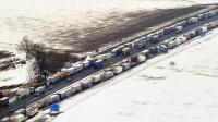 Des camions bloqués sur l'autoroute A1 dans le nord de la France, le 13 mars 2013 [Philippe Huguen / AFP/Archives]
