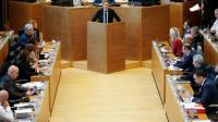 Des membres du Parlement de Wallonie à Namur, capitale de la région francophone du sud de la Belgique, en session plénière sur l'accord de libre-échange UE-Canada (CETA), le 28 octobre 2016  [BRUNO FAHY / AFP]