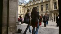 Des étudiants dans la cour de la Sorbonne à Paris  [Thomas Coex / AFP/Archives]