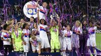 L'équipe lyonnaise sacrée championne d'Europe devant le PSG à Cardiff, le 1er juin 2017 [JAVIER SORIANO / AFP]