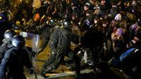 Heurts entre manifestants et forces de police après la condamnation des dirigeants indépendantistes, le 15 octobre 2019 à Barcelone [LLUIS GENE / AFP]