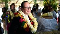 François Hollande lors d'une cérémonie de bienvenue le 22 février 2016 à Wallis  [STEPHANE DE SAKUTIN / AFP]