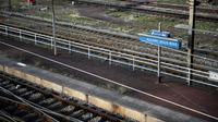 Le trafic entre Paris et l'aéroport Roissy-CDG sera perturbé le week-end du 12 et 13 août, en raison d'une interruption totale de la circulation du RER B entre la Gare du Nord et Aulnay-sous-Bois, a rappelé jeudi la SNCF. [Martin BUREAU / AFP/Archives]