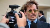 Johnny Depp a nié tout acte de violence envers Amber Heard.