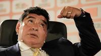 Diego Maradona s'en est pris à Sepp Blatter et Michel Platini sur une chaîne napolitaine.