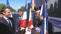 """""""Soyez ferme avec tous ces gauchos"""" : Macron interpellé par un vétéran lors de l'hommage du 8 mai"""