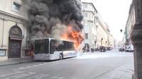 Italie : un bus explose et prend feu à Rome