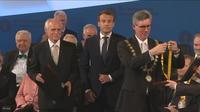 """Macron, """"l'Européen"""" récompensé"""
