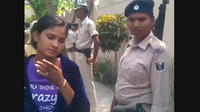 Inde : ils coupent les manches des candidates pour éviter la tricherie