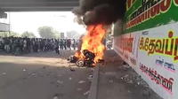 Inde: 12 manifestants tués par la police