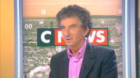 Jack Lang critique la saleté de Paris