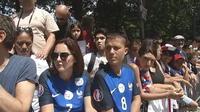 Les Bleus ont quitté la France sous les encouragements des supporters