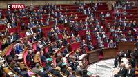 Loi anticasseurs : les réactions après l'abstention de 50 députés LREM