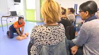 Cours de premiers secours pour futures assistantes maternelles agréées