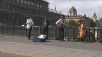 Journée sans voiture à Paris : une mesure qui divise