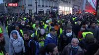 Gilets jaunes : une situation tendue en haut des Champs-Elysées
