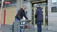 Gilets jaunes : les commerçants parisiens se préparent pour l'Acte VII