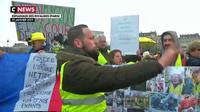Gilets jaunes : manifestation calme dans l'ensemble à Paris