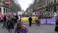 Gilets jaunes : des femmes ont pris la tête du cortège