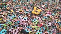 Chine : la canicule frappe fort, les habitants prennent d'assaut les piscines
