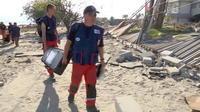 Des pompiers français sur l?île des Célèbes