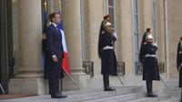 La cote de popularité d'Emmanuel Macron chute