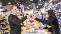 Ce mercredi, 45 «Drives piéton» Carrefour seront opérationnels à Paris.
