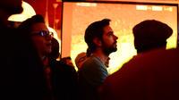 Les soirs de match, l'ambiance est tendue dans les bars