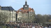Rassemblement hostile aux migrants à l'initiative du mouvement islamophobe Pegida, le 6 février à Dresden en Allemagne [TOBIAS SCHWARZ                       / AFP]