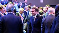 Emmanuel Macron arrivant aux Assises des maires bretons à la veille de son déplacement en Corse, à Saint-Brieux, le 3 avril 2019 [Damien MEYER / POOL/AFP]