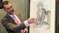 """Le conservateur du musée et commissaire de l'exposition, Patrice Deparpe présente le tableau de Matisse """"la femme accoudée,à Lille, le 25 octobre 2019 [FRANCOIS LO PRESTI / AFP/Archives]"""