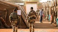Des soldats français de l'opération Barkhane dans un camp situé aux abords de l'aéroport de l'aéroport de Niamey au Niger, le 22 décembre 2017  [ludovic MARIN / AFP]