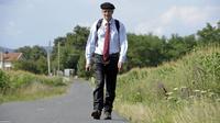 Le député Jean Lassalle sur la route près de Corcelles-en-Beaujolais, le 9 août 2013 [Philippe Desmazes / AFP/Archives]