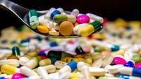 Les Français consomment toujours trop de ces médicaments, malgré des années de sensibilisation, au risque de rendre certaines bactéries résistantes, souligne l'OCDE dans son Panorama de la santé 2017 [PHILIPPE HUGUEN / AFP/Archives]