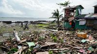 Une maison dévastée par le typhon Phanfone à Tacloban (Philippines) le 25 décembre 2019 [Bobbie ALOTA / AFP]