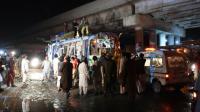 Au moins dix personnes sont mortes lundi et 23 ont été blessées dans l'explosion d'une bombe visant un autocar à Quetta dans la province du Balouchistan [BANARAS KHAN / AFP]