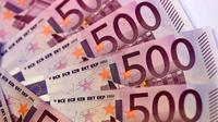 L'Allemagne et l'Autriche craignent que la disparition du billet rose soit une étape vers la disparition totale de l'argent physique et l'avènement d'une société surveillée où toute transaction financière serait surveillée par les autorités [MIGUEL MEDINA / AFP/Archives]