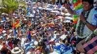 El presidente de Bolivia, Evo Morales, se dirige a sus seguidores el 24 de octubre de 2019 en Cochabamba [STR / AFP]