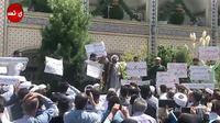 Capture d'écran d'une vidéo diffusée par l'agence de presse iranienne Nasim, montre un religieux s'adressant à des manifestants dans la ville de Machhad, dans le nord-est de l'Iran, le 3 août 2018 [- / NASIM NEWS AGENCY/AFP]