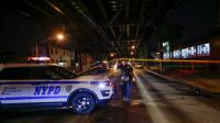 Un policier près du parc Ozone, à New York le 13 août 2016 [KENA BETANCUR / AFP]