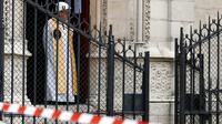Première messe, deux  mois après l'incendie, à la cathédrale Notre-Dame, le 15 juin à Paris [Zakaria ABDELKAFI / AFP]