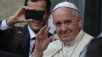 Le pape François devant l'église Saint Ignace de Loyola le 24 avril 2014 à Rome [Filippo Monteforte / AFP/Archives]