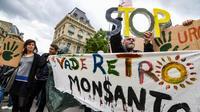 Manifestation anti-Monsanto Place de la Republique le 18 mai 2019 [Alain JOCARD / AFP]